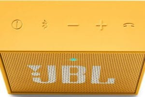 altavoz portatil jbl go color amarillo botones integrados